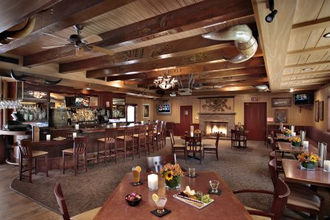 Cattlemen's Lounge Spacious Dining Area at the Paso Robles Inn